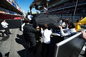 Formula 1 Breaking news McLaren blames gust of wind for Alonso's heavy F1 crash