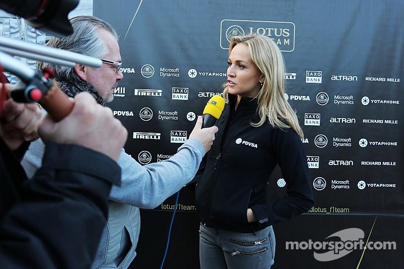 Critican a Lotus por la contratación de Carmen Jordá