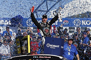 Harvick dominates at Las Vegas