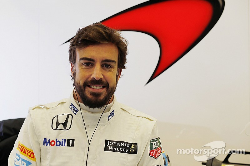 Alonso back in McLaren's simulator