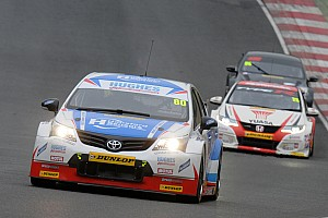 Ingram quickest in damp practice at Brands