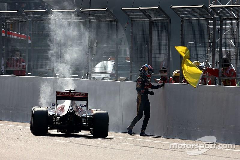 Verstappen, frustrado por su retiro en China