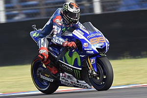 Lorenzo sends an early warning shot to rivals in Jerez MotoGP practice