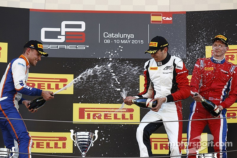 Esteban Ocon gana en su debut en GP3
