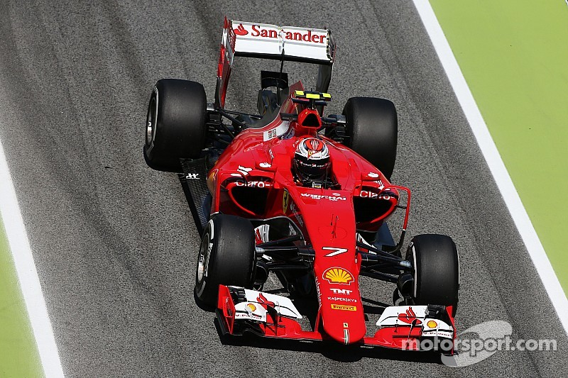 Raikkonen hindered by bizarre tyre blanket incident