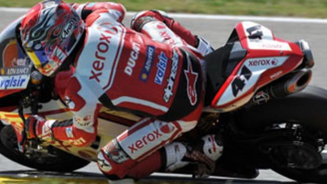 WSBK 2010, Valencia: sprazzi di luce per Ducati