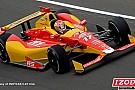 Indy 500, Libere 2: Saavedra sopra le 221 miglia