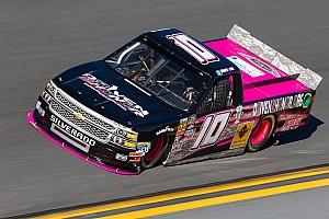 NASCAR Truck Noticias de última hora Cobb ha sido llamada por los oficiales de NASCAR