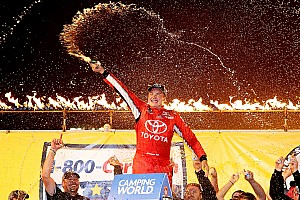 NASCAR Truck Reporte de la carrera Bell se lleva la victoria en Eldora