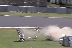 Stoner in violent Suzuka 8 Hours crash after throttle jams - video