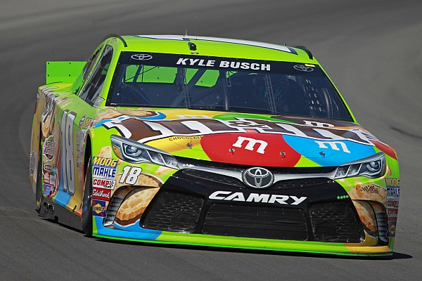 Kyle Busch slaps wall, still fastest in eventful final practice