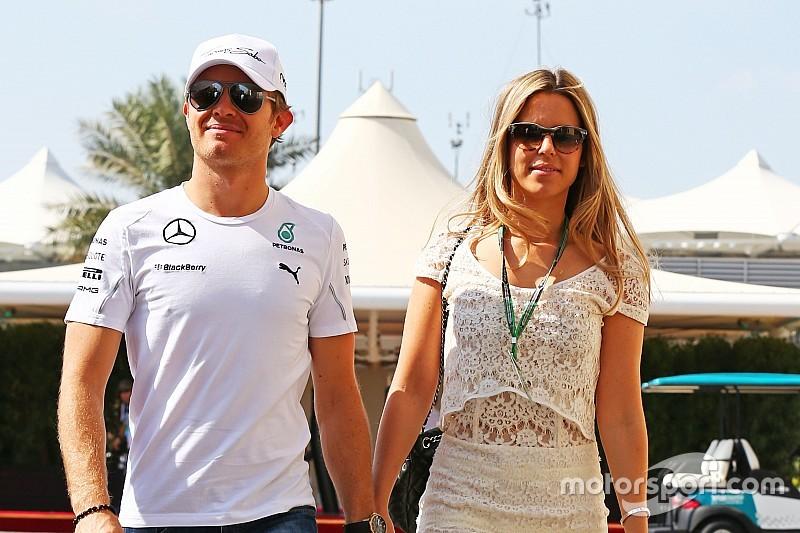 Nico Rosberg anuncia o nascimento da filha