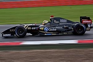 Silverstone FR3.5: Vaxiviere dominates Sunday qualifying