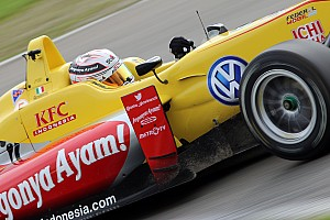 Giovinazzi dominates Masters of Formula 3 qualifying race