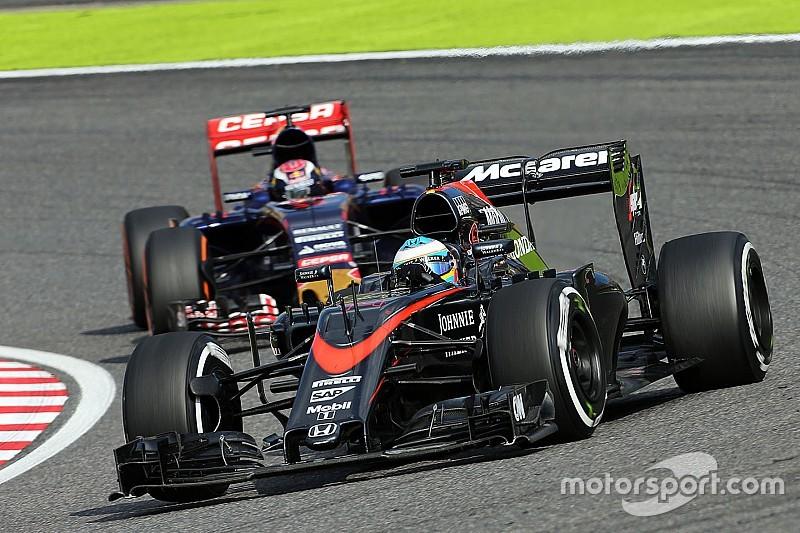 Dennis no se impresiona por los comentarios de Alonso