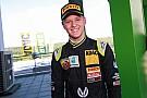 米克•舒马赫完成首个方程式赛季