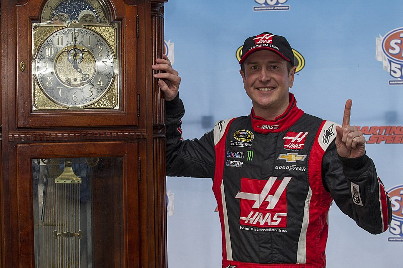 Tick, tock - Kurt Busch looking to advance as Chase winds down