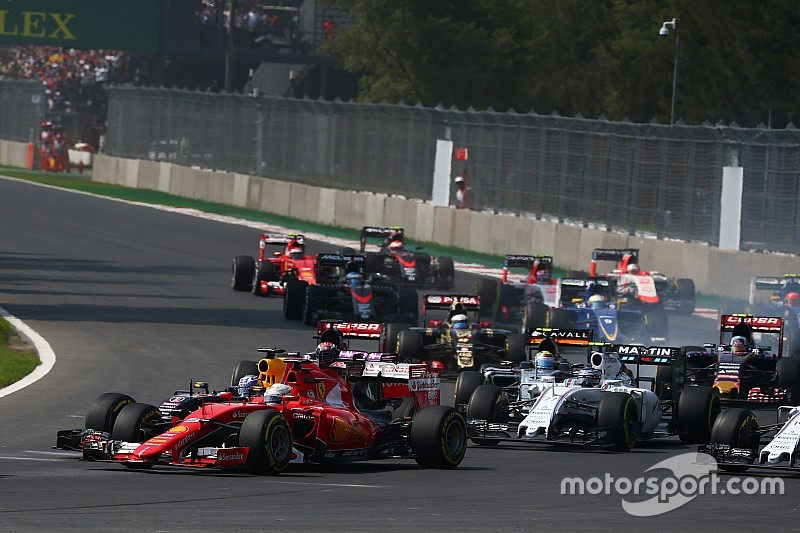 Touché, spin en crash: Vettel teleurgesteld