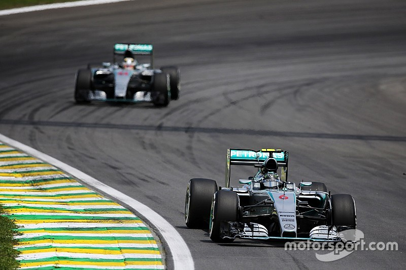 Mercedes says fixed strategies lesser of two evils