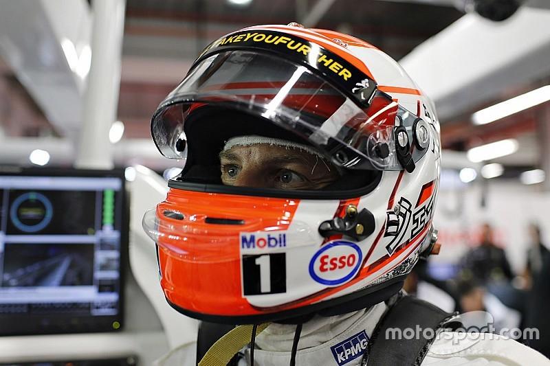 Button asks fans to vote on 2016 helmet design