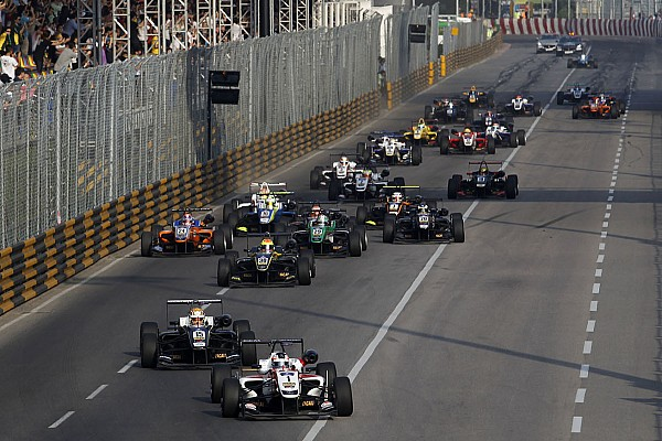 F3 Breaking news Russell hopes Macau GP stays open to veterans