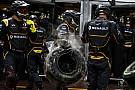 Most beleshetsz a Renault F1 Team kulisszái mögé munka közben: kezeld te a kamerát!