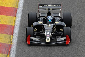 Формула V8 3.5 Отчет о гонке Ниссани выиграл вторую гонку в Сильверстоуне