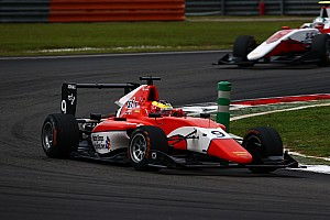 GP3 Reporte de la carrera Dennis gana la carrera 2; Leclerc está cerca del cetro de GP3