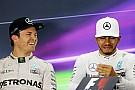 """F1 【F1】""""親友""""ハミルトンに引退を伝えていたロズベルグ「今夜はルイスと語り合えるかも」"""