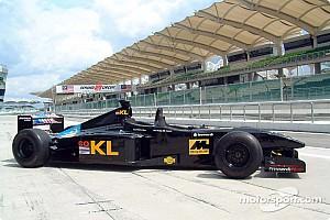 Формула 1 Новость У двухместной Minardi сменился водитель