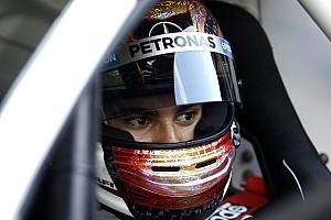 Óriási baleset Miamiban: Wehrlein és Massa összeütközött