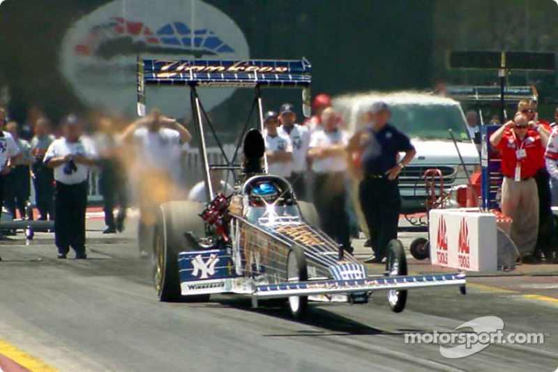 Mike Dunn came into the race leading the top fuel field, however with a poor showing Dunn left the race in second in points.