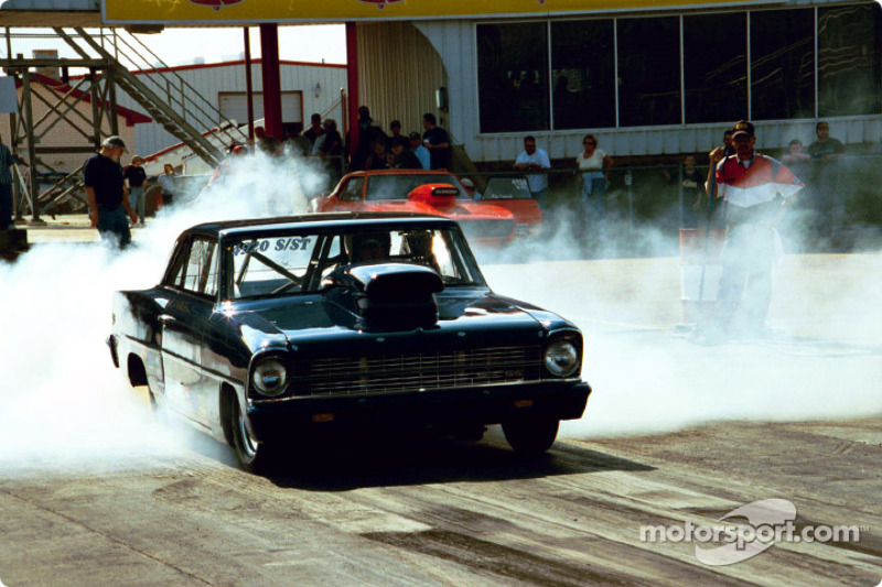 Super Stock Chevy burnout