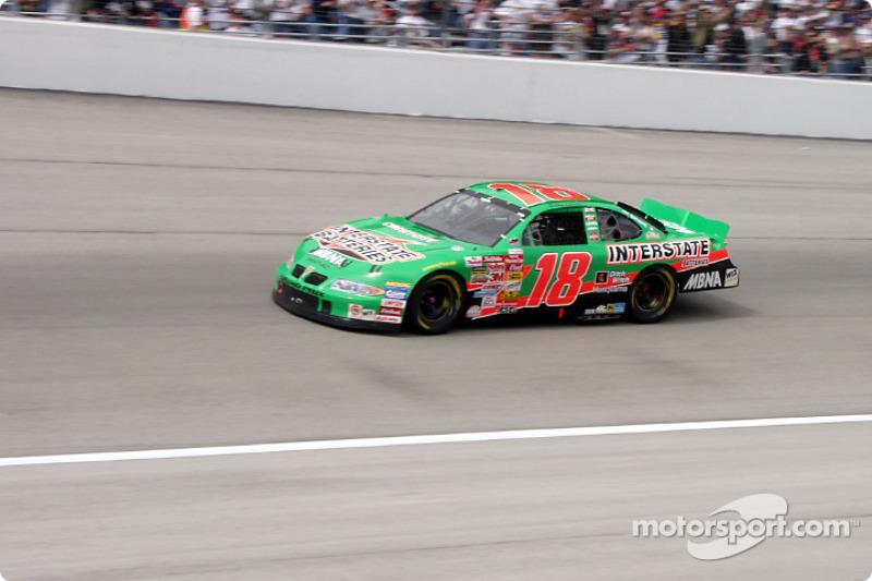 #18 Bobby Labonte at speed