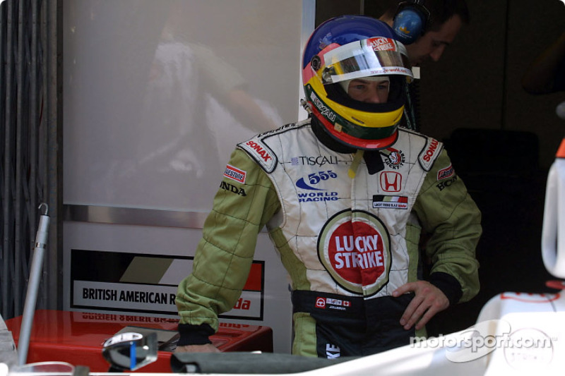 Jacques waiting in the pits