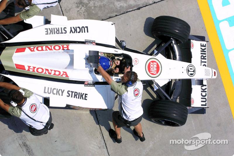 Jacques Villeneuve back in the pit