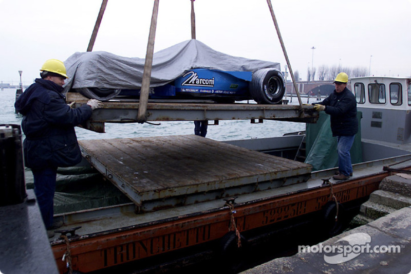 Unloading the B201 on St. Mark's Square
