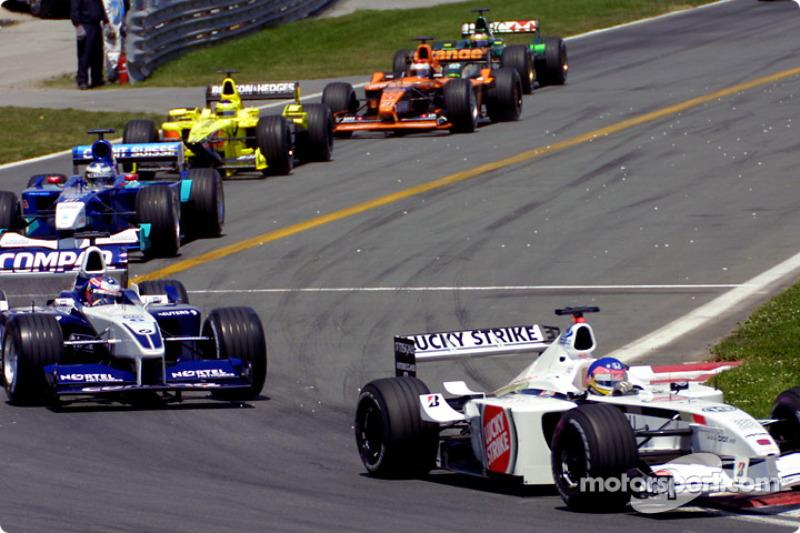 Warmup lap: Jacques Villeneuve and Juan Pablo Montoya