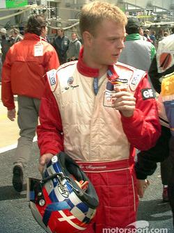 Jan Magnussen walks to grid