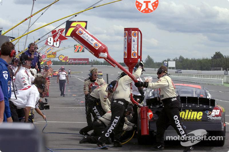The Texaco/Havoline crew fill it up for driver Ricky Rudd