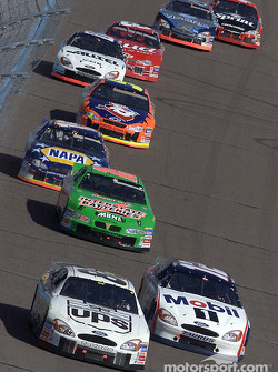 Dale Jarrett, Mike Wallace and Bobby Labonte leading the field