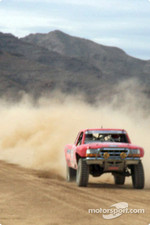 Ford Ranger kicking up dust