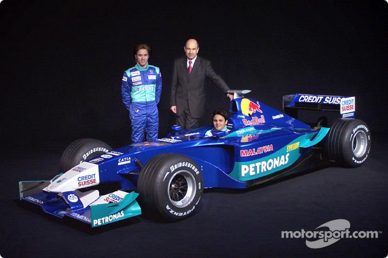 Peter Sauber, Nick Heidfeld and Felipe Massa with the new Sauber Petronas C21