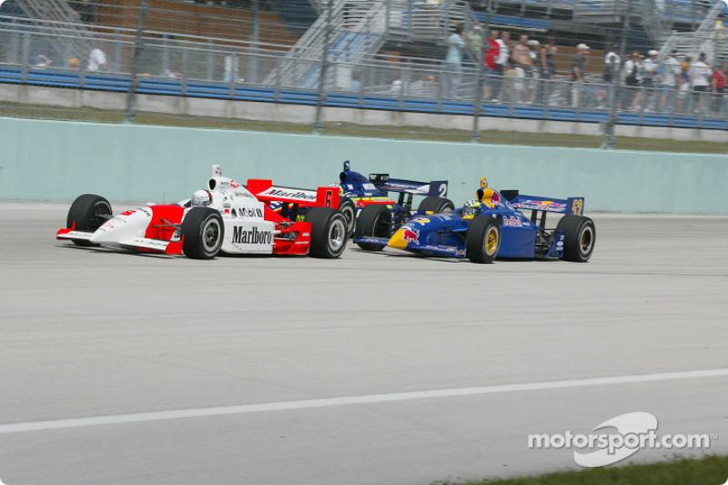 Gil de Ferran leading Tomas Scheckter and Jaques Lazier