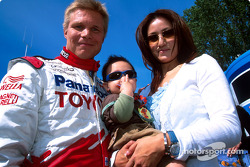 Mika Salo with wife Noriko and son Max