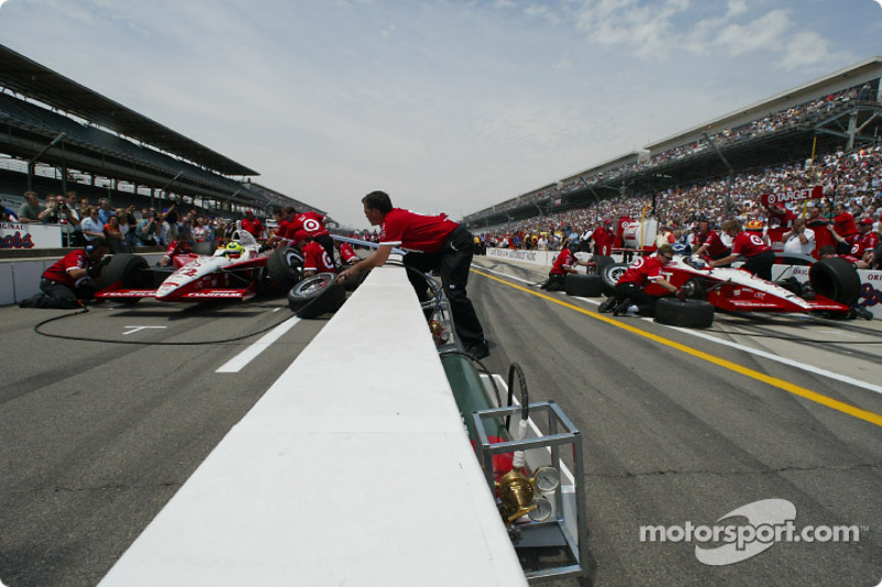 Pitstop competition: Kenny Brack and Jeff Ward