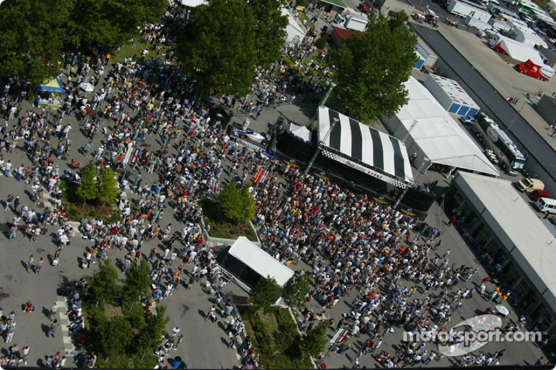 Crowds converge to the Pepsi Stage to hear performances by Nine Days and Better Than Ezra during Coors Carb Day