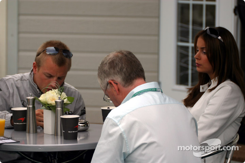Kimi Raikkonen having breakfast with his girlfriend