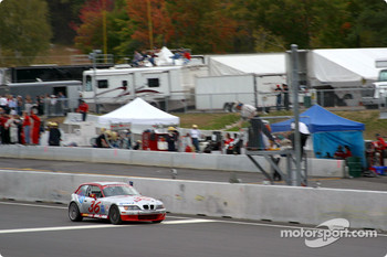 Villaconn International BMW Z3 takes the checkered flag