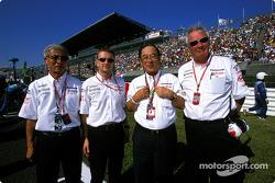 Mr Tsutomu Tomita, Allan McNish, Mr Fujio Cho and Ove Andersson